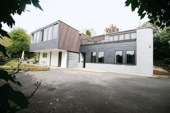1960s Murray Ward-designed modernist property in Arford, Hampshire