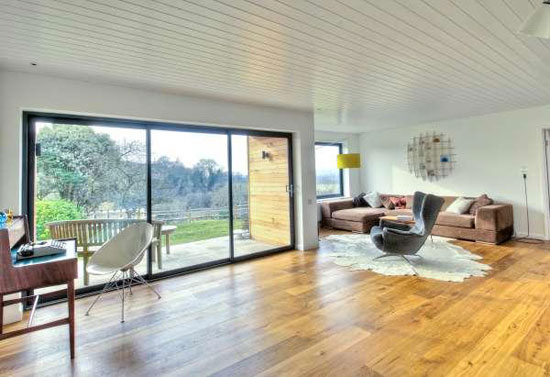 White Cottage four-bedroom bungalow in Warningcamp, near Arundel, West Sussex