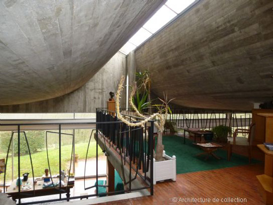 1960s Claude Parent-designed modernist property in Bois-le-Roy, near Paris, France