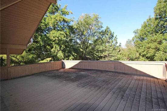 1970s midcentury modern property in Sand Springs, Oklahoma, USA