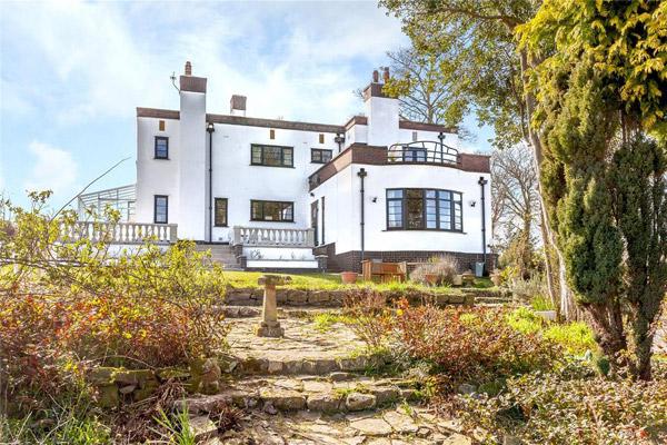 1930s art deco house in Oakenholt, Flintshire, North Wales