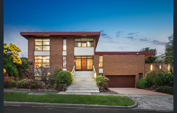 1970s modernist house in Balwyn North, Victoria, Australia