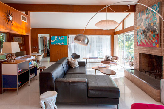1960s midcentury modern property in West Lake Hills, Texas