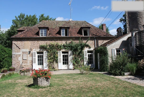 Four-bedroom property in Avallon, Burgundy, France