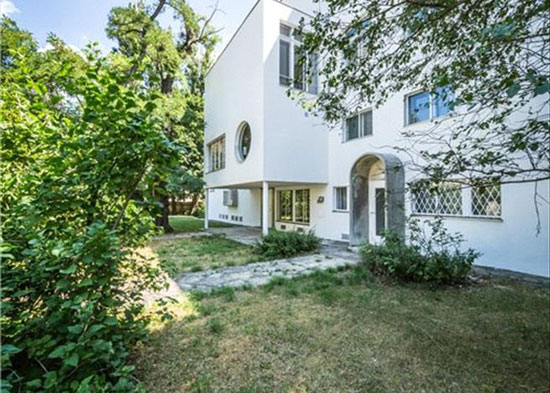 On the market: 1930s Josef Frank-designed Haus Beer modernist property in Vienna, Austria