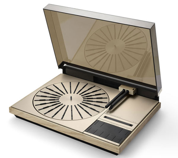 1970s Bang & Olufsen Beogram 4000c turntable returns