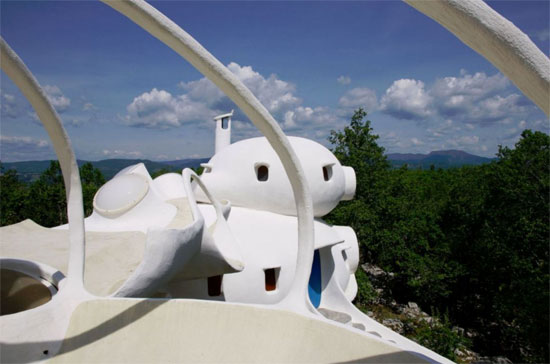 Claude Hausermann-Costy's Bubble House in Uzes, Gard, France