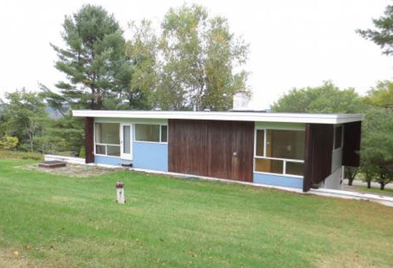 In need of renovation: 1950s Marcel Breuer-designed midcentury property in Ithaca, NY, USA