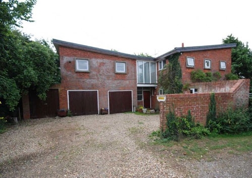 Francis Bacon's house for sale: 1960s four-bedroomed house in Chieveley, Newbury, Berkshire (updated)