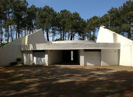 1970s Roger Le Flanchec-designed modernist property in Baden, Brittany in north west France