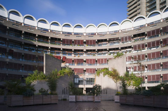 On the market: Apartment in Frobisher Crescent on the Chamberlin, Powell & Bon-designed Barbican Estate, London EC2