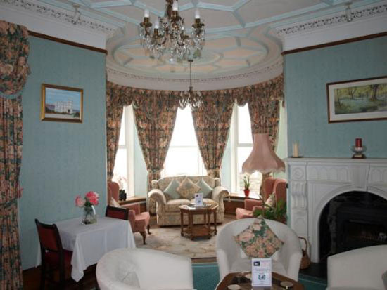 11 bedroom art deco-style hotel in Barmouth, Gwynedd, North Wales