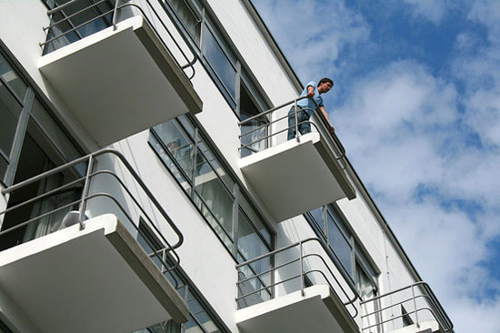 Holiday let: Studio flats in the 1920s Prellerhaus Bauhaus Studio Building in Dessau, Germany