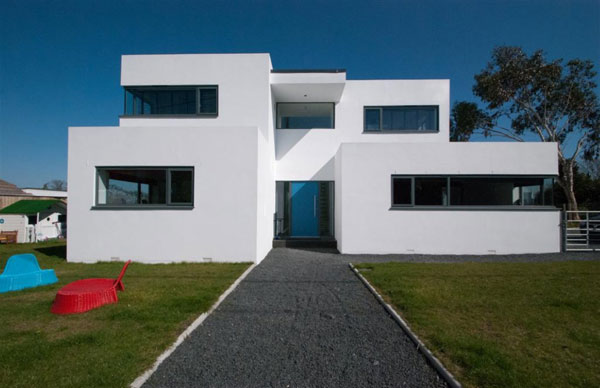 Bauhaus-inspired property in Hamble, near Southampton, Hampshire