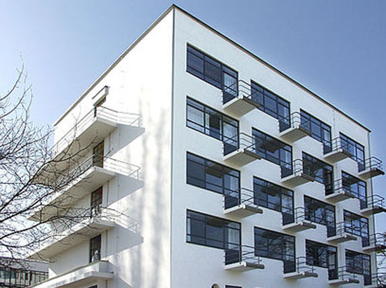 Studio flats in the 1920s Prellerhaus Bauhaus Studio Building in Dessau, Germany