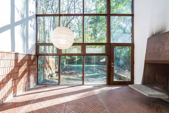1940 modernism: Bauhaus-inspired property in Atlanta, Georgia, USA