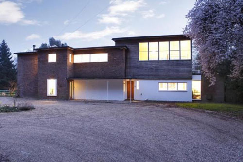 Bauhaus in Herts: 1930s grade II-listed house by E. Maxwell Fry in The Common, Chipperfield, Herts