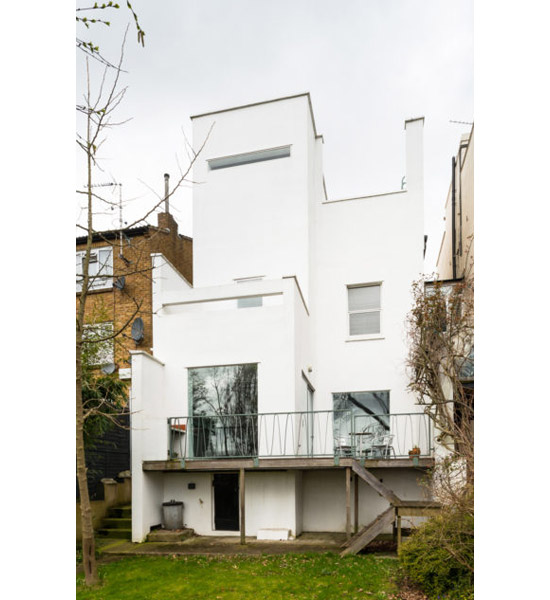 Bauhaus-inspired modernist property in London SE22