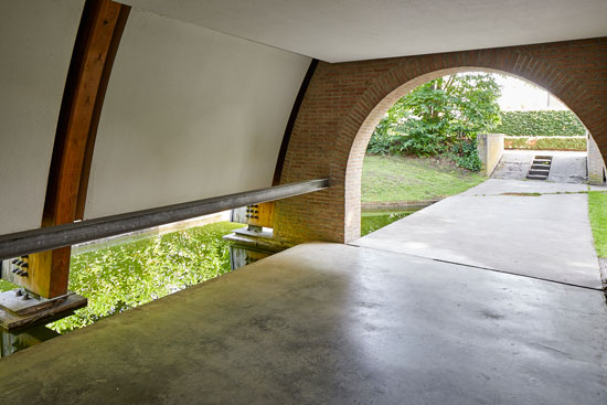 Frank Verplanken modernist house in Destelbergen, Belgium