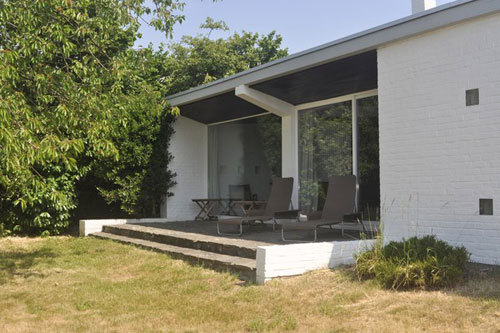 1950s modernist three-bedroomed house by Willy Van Der Meeren in Teralfene, near Brussels, Belgium