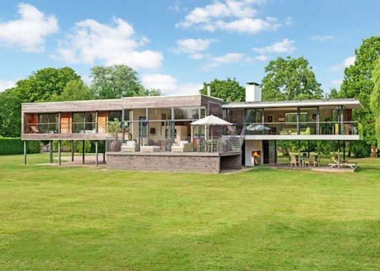 John Pardey-designed Cherry Eyot five-bedroom contemporary modernist property in Wargrave, Berkshire