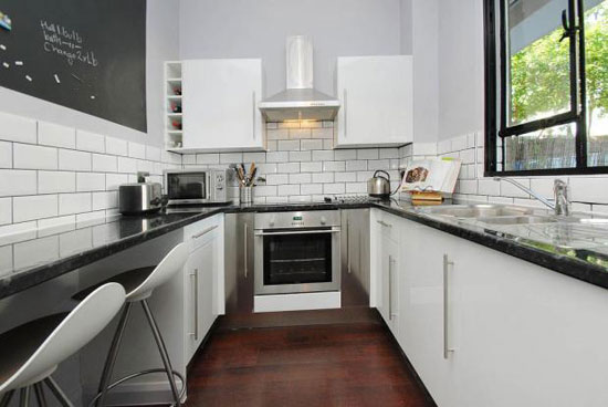 One-bedroom maisonette in the 1950s Berthold Lubetkin-designed Bevin Court in London WC1