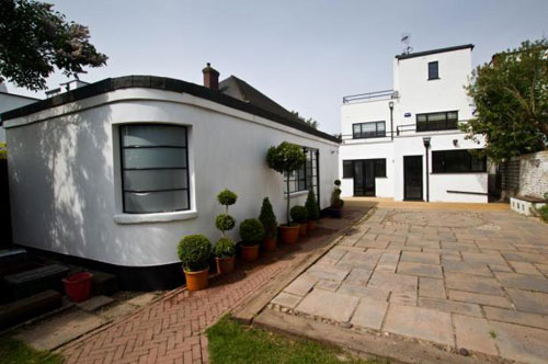 Five-bedroomed art deco property in Bexleyheath, Kent