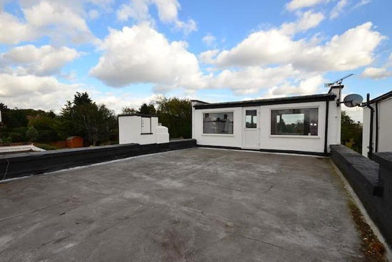 Four-bedroom 1930s art deco property in Bexleyheath, Kent