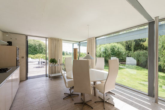 Michael Dewberry-Designed single-storey modernist property in Bishopstrow, Wiltshire