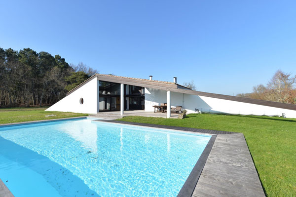 1970s modern house in Bazas, south-west France