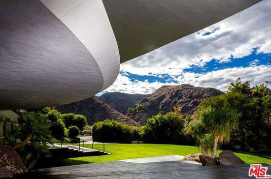 1980s John Lautner-designed Bob & Dolores Hope Estate in Palm Springs, California, USA