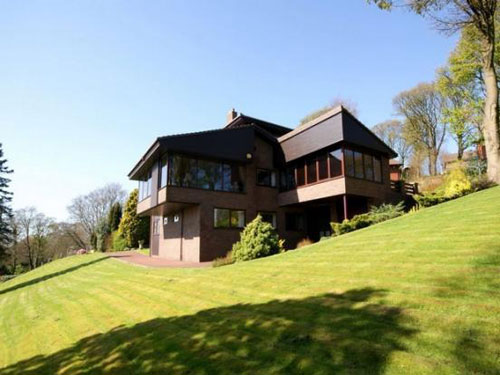 Modernism up north: Five-bedroom house in Bolton, Lancashire