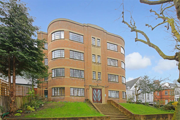 1930s art deco apartment in Broadlands, London N6