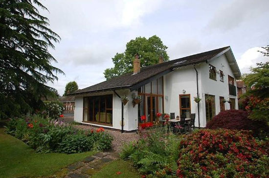 1960s architect-designed property in Bramhall, Cheshire