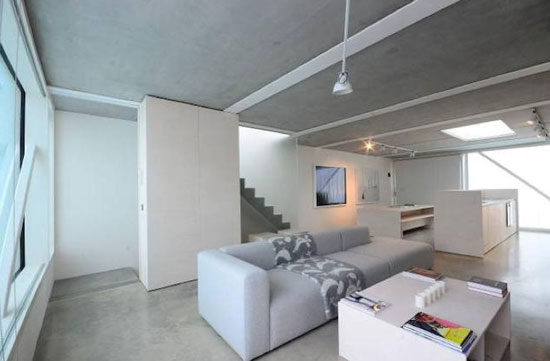 Two-bedroom low-energy modernist property in Clapham Park, London SW2