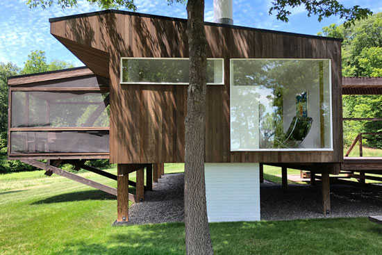 1970s Marcel Breuer-designed Rufus Stillman Cottage in Litchfield, Connecticut, USA