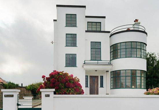 Melville Aubin-designed Sunpark 1930s art deco property in Brigham, Devon