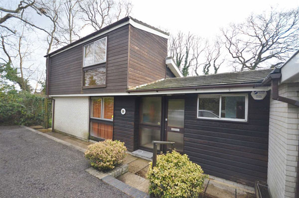 1960s Jack Coutu modernist house in Wrecclesham, Surrey