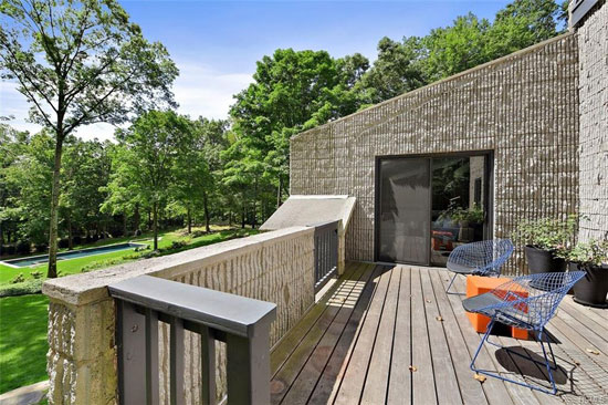 1970s Arthur Witthoefft-designed Branscombe Residence in North Castle, New York, USA