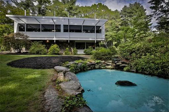 1950s Marcel Breuer-designed modernist property in Andover, Massachusetts, USA