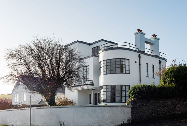 Sunpark 1930s art deco house in Brixham, Devon