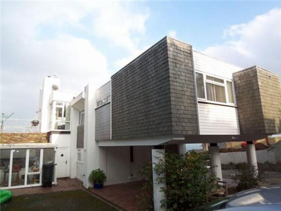1960s Mervyn Seale-designed four-bedroom modernist house in Brixham, Devon