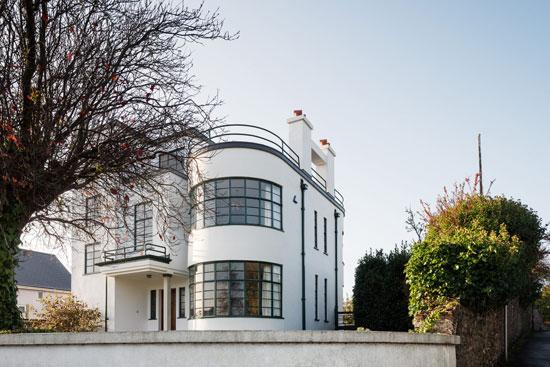Sunpark 1930s art deco house in Brixham, Devon