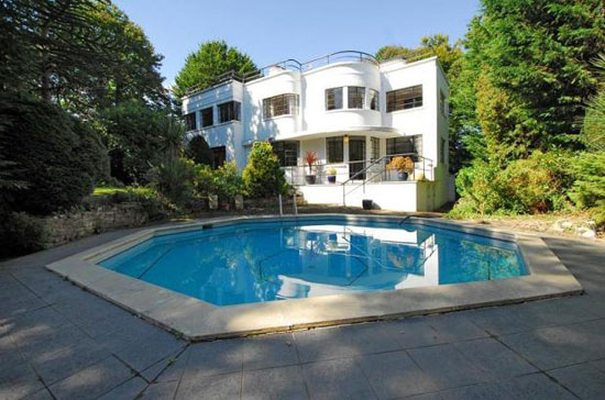To let: Five-bedroom Gilbert Booth-designed Stillness 1930s art deco property in Bromley, Kent