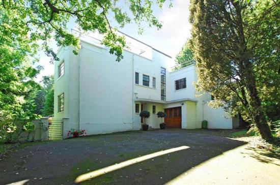 Five-bedroom 1930s art deco property in Bromley, Kent