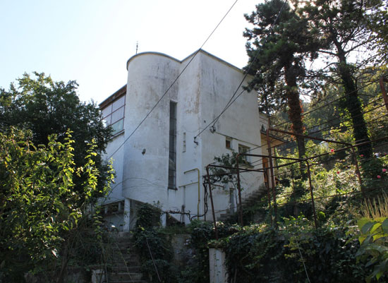 In need of renovation: 1930s Jozsef Fischer-designed modernist property in Budapest, Hungary