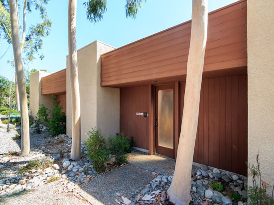 The Hollis House 1970s modernist property in Pasadena, California, USA