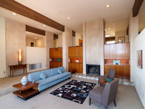 The Hollis House 1970s modernist property in Pasadena, California, USA