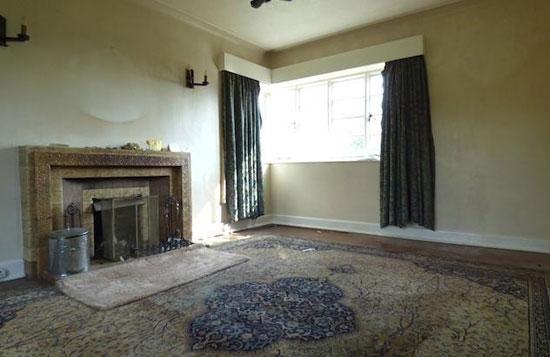 1930s two-bedroom detached art deco property in Burton-on-Trent, Staffordshire