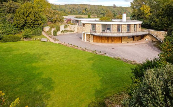 1960s modernism: Templecombe House in Henley-on-Thames, Oxfordshire